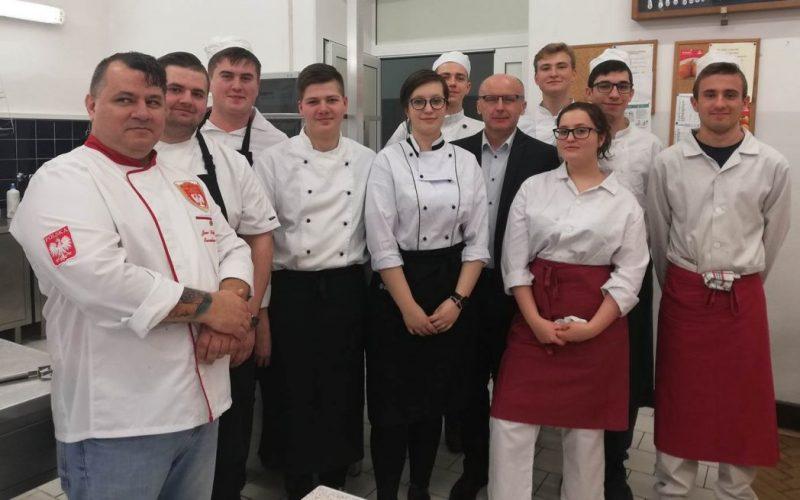 Warsztaty kulinarne dla naszych uczniów prowadzone przezPolską Akademię Sztuki Kulinarnej!